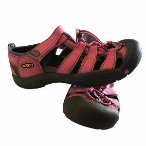 Keen women's pink waterproof sandals size 6 GUC